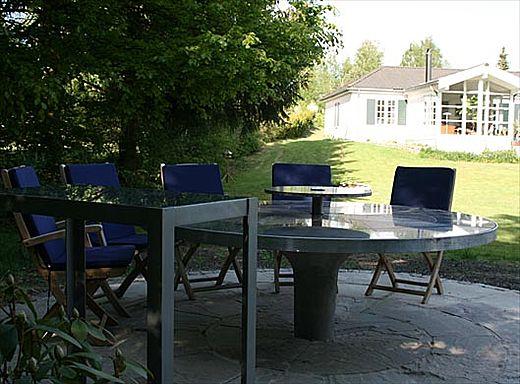 Wagner granit: granitbord til Ønskehaven. med sort, gul og gød ...