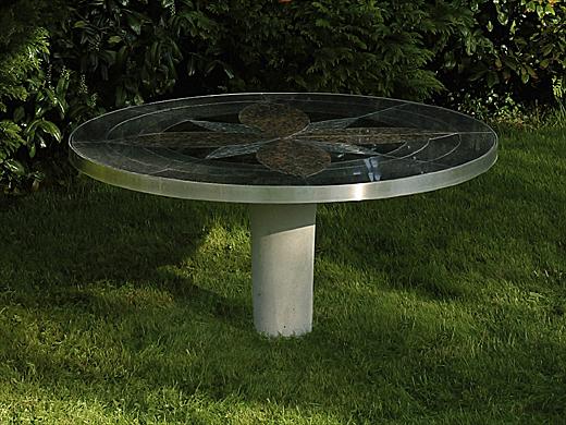 Wagner granit: fritstående havebord i haven eller på terrassen